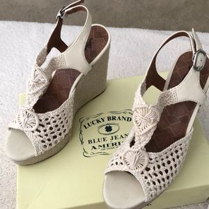 NWT rare find lucky macrame canvas wedges